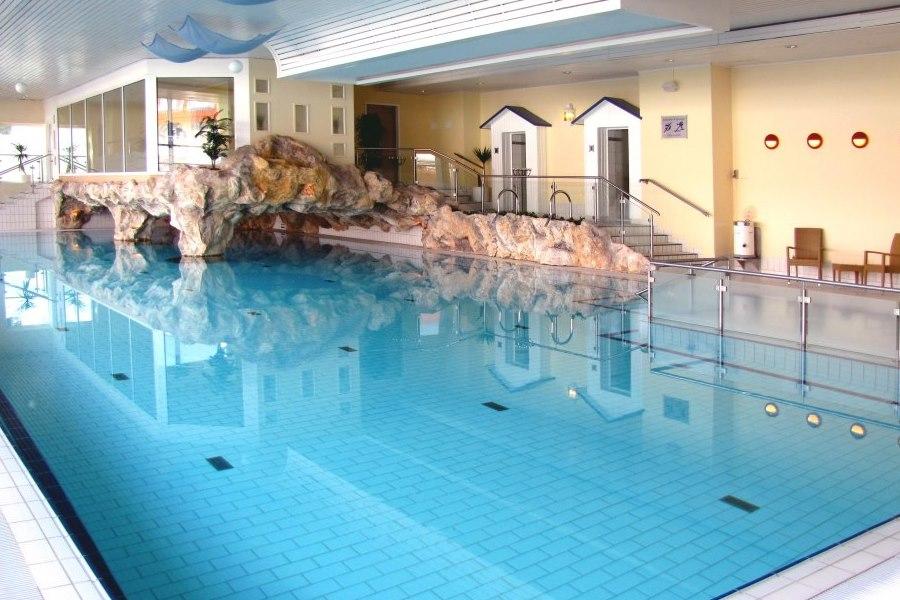 Schwimmbad sauna ifa graal m ritz hotel spa tagungen for Hotel juist schwimmbad